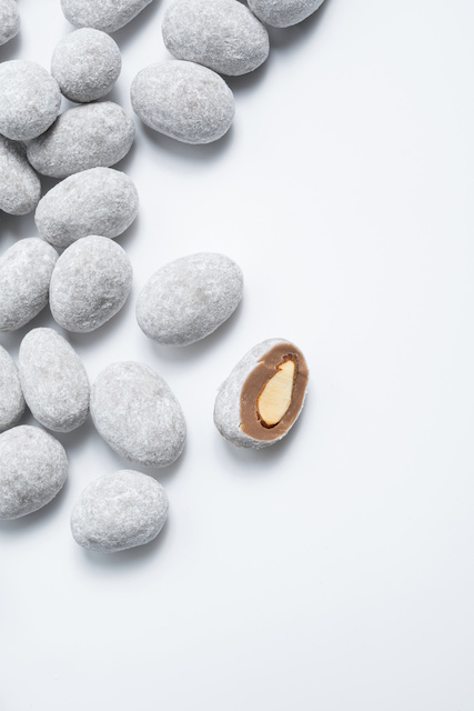 ALMONDS COATED WITH MILK CHOCOLATE
